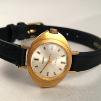 "Elegant women's wristwatch "" Chaika"". Gorgeous tiny, gold tone women's watch comes with new leather band, great gift idea for her"