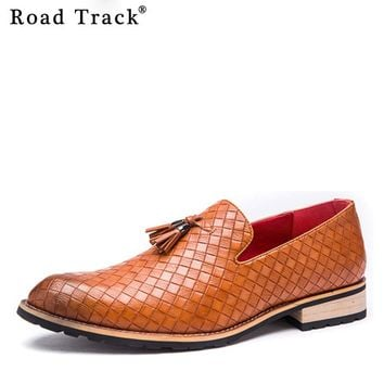 Road Track Leather Men Dress Shoes Tassel Decoration Slip On Shoes For Men Pointed Toe Flats Low Heel Loafers