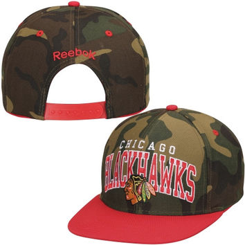 Chicago Blackhawks Reebok Flat Brim Snapback Adjustable Hat - Red/Camo