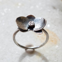 Sterling silver ring,Orchid ring, Sterling silver orchid ring, Artisan Ring, Flower ring, Nature Jewelry,  Oxidized Silver,Stackable ring