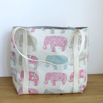 Elephant handmade fabric tote Bag, Lined canvas shoulder bag, Summer purse, Animal cloth bag, Gift for elephant lover, Mom bag, Tote Bag