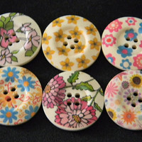 Wooden Buttons - 6 pcs Painted Wood Buttons Floral Design Assortment 30mm