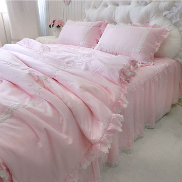 SALE!!! 4pcs/set modal bedding set soft lace ruffle quilted duvet cover embroidery bedspread bedskirt wedding decoration bedding