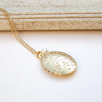 Pearl Necklace, Gold Locket, Oval Locket,Floral Locket, Long Locket Chain, Photo Locket, Bridal, Bridesmaid gift.
