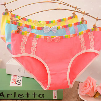 New Top Quality 95% Cotton Rainbow Underwear Women Sexy Panties Lace Bow Girl Briefs Sexy Underwear