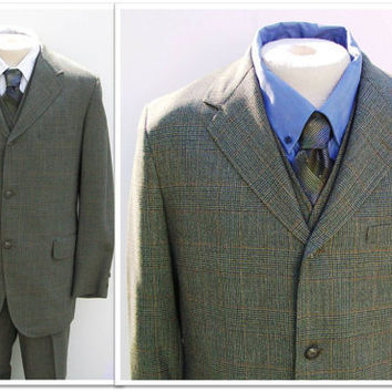 Vintage 1960s ALUMNI Plaid 3 Piece Wool Suit by landmvintage