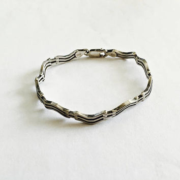 Vintage Italian Sterling Silver Unique Wavy Link  Bracelet with Lobster Claw Clasp - 7 Inches - 10 grams