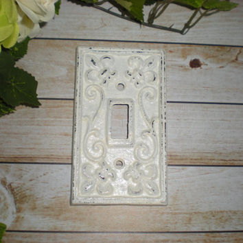WHITE Decorative Light Switch Plate/ Single Switch Cover/ Fleur de lis/ Bright Cast Iron/ Painted Metal/ Shabby Chic