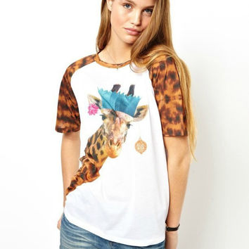 Giraffe Print Short Sleeve Graphic T-Shirt