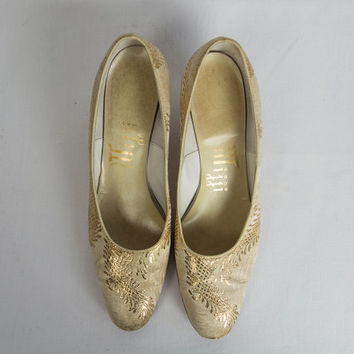 Vintage 1960's Gold Brocade Heels Sz 7 Shoes Pumps