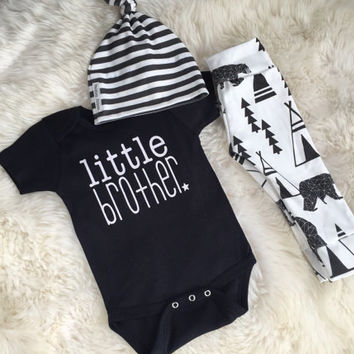 Cute little brother outfit | baby boy take home outfit | bear print organic leggings | hipster baby | baby boy outfit | baby must have |