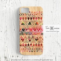 Tribal iPhone 4 / 4s case, Tribal iPhone 5 case, aztec iphone 4 4s 5 case, navajo iphone 4 4s 5 case, tribal pattern on wood (c124)
