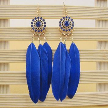 ONETOW Long feathers full of fashion temperament earrings