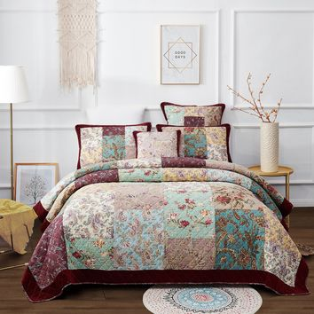 DaDa Bedding Bohemian Patchwork Quilted Bedspread Set, Burgundy Red Velvety Trim Floral Paisley (JHW)