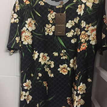Gucci T Shirt 'Size Eu. 3XL' (Very Rare Black Floral Design!! Must See!)