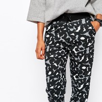 Nike Club Printed Skinny Sweatpants