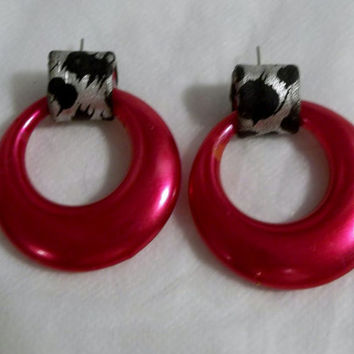 HOT Pink Hoops, Silver and Black Leopard Print Wraps, Vintage, 1980's, Disco Diva Pierced Earrings
