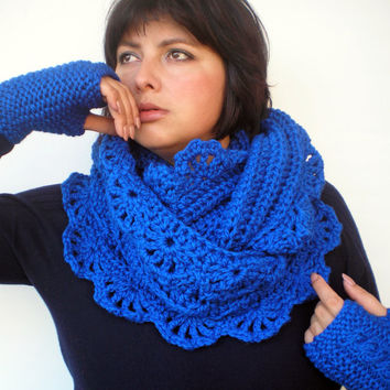 Royal Flower  Set Circle Scar and Figerless Glovess Hand Knit Circle Scarf  Set Scarf and GlovesNEW