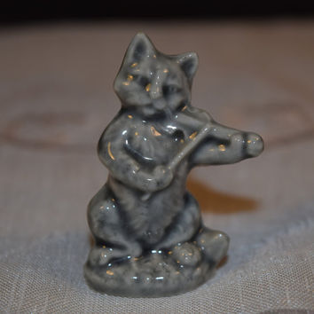 Miniature Wade Cat and Fiddle Figurine Vintage The Cat and the Fiddle Nursery Rhyme Figurine Wade England Pottery Miniature Collectible