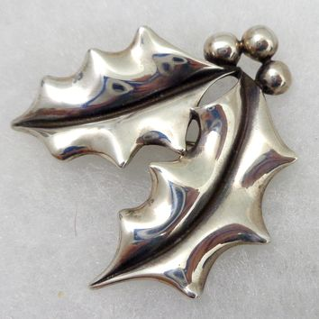 JAMES AVERY Sterling Silver Holly Berry Pin