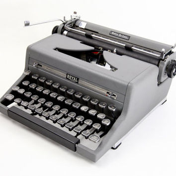 Royal Quiet De Luxe Manual Typewriter - Reconditioned and Working Gray Vintage Typewriter - Henry Dreyfuss Version - Excellent Condition