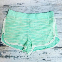 SWEETEST TOUCH LOUNGE SHORTS IN MINT