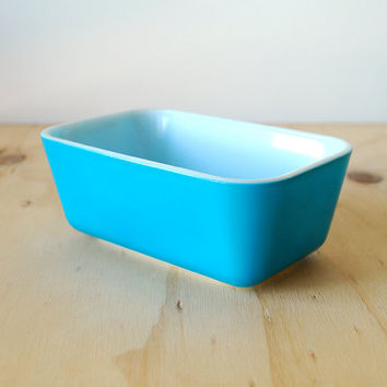 Pyrex Refrigerator Dish Primary Blue 502-B Turquoise Blue Medium Dish NO LID