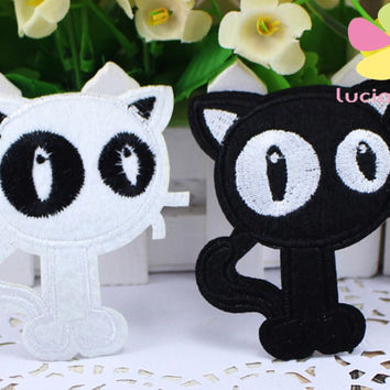 8*7cm Iron-on or Sew-on Embroidery Big Eyes Cat Embroidered Iron On Clothes Patch 2pcs 4pcs D20010004