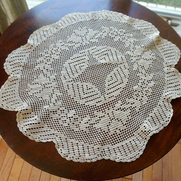 "Crocheted Doily,20"" Round Doily,Small Crocheted Tablecloth,Vintage Doily,Round Crochet Centrepiece,EcruTable Topper,Vintage Wedding Linens,"