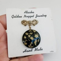 Vtg Alaska Golden Nugget Dangle Pin In Card Lucite Encased Hand Made Souvenir