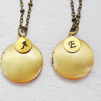 set of 2 personalized locket necklace,bridesmaid gift,couple necklace,round locket,bff jewelry,customized initial locket pendant,best friend