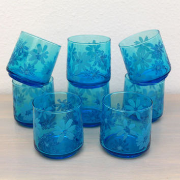 Daisy Juice Glasses, 1960s Flower Power, Aqua Midcentury Glasses, Vintage Blue Glassware, S/8