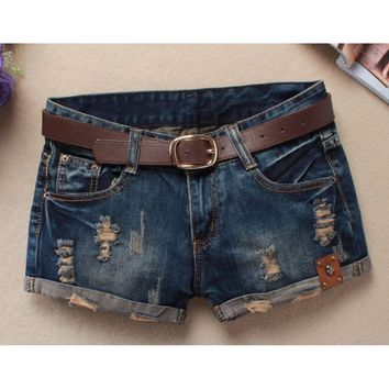2016 Summer Shorts Women Vintage Club Denim Shorts Sexy Hip Hop Skull Patch Plus Size Ripped Shorts Without Belt