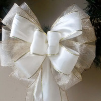Ivory and Gold Christmas Wreath Bow- Christmas Bow- Wreath Bow- Tree Topper Bow-Mailbox Bow-Stair Door