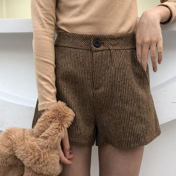 KYMAKUTU 2018 New Women Shorts with Pocket Elegant Shorts Feminino Solid All Match Bermudas Feminina Casual Ladies Short Pants