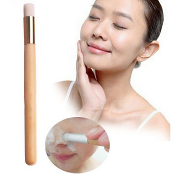 1 Pcs Brand New Beauty Nose Blackhead Washing Cleaning Brush Wooden Makeup Brushes