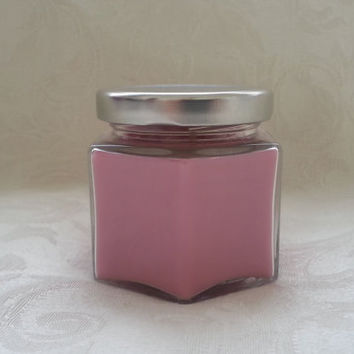 White Tea and Berries - Soy Candle 4oz - Gift Size