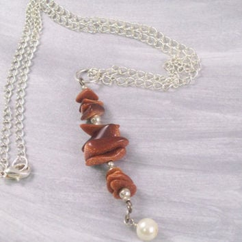 Glittery Copper Gemstone Chipsand Pearl Pendant with Chain