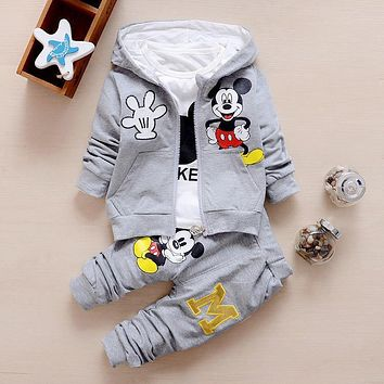 Cute and Stylish Mickey Mouse Baby set