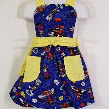 Girls Full Apron--Wrestling Cats with Yellow---Made in the usa-#131--READY TO SHIP