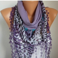 ON SALE -Summer Scarf Shawl - Cotton Weddings Scarves - Cowl with Lace Edge - Lilac