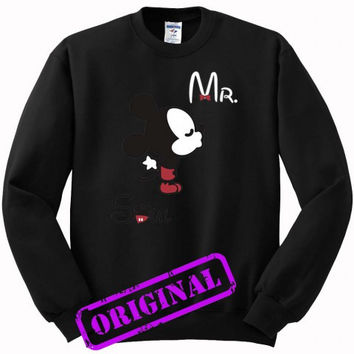3 Mickey Kissing Minnie + Mr for men for sweater black, sweatshirt black unisex adult