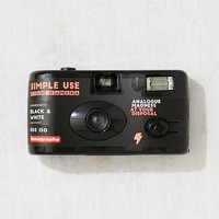 Lomography Simple Use Black + White Film Disposable Camera | Urban Outfitters