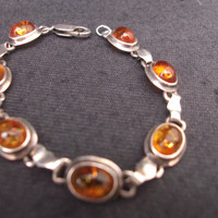 Beautiful vintage amber and sterling silver bracelet