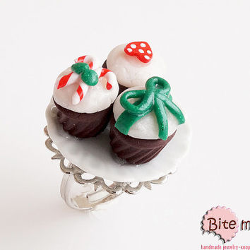 Food jewelry, Three Christmas Cupcakes on Ceramic Plate, Miniature Food, Polymer clay Sweets, Mini Food Jewelry, Christmas Jewelry