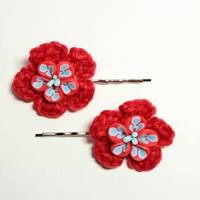 Red crochet hair accessory. Flower bobby pin. Bright floral hair pin.