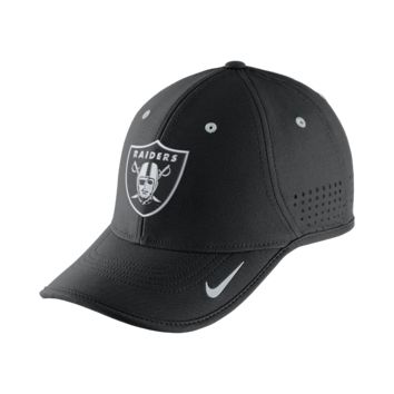 Nike True Vapor (NFL Raiders) Adjustable Hat (Black)