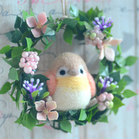 Needle felted bird on flower wreath, bird doll flower wreath, beige & peach color bird doll home decor ornament, handmade gift under 25
