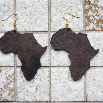 Earrings wood: Roots Africa, shape of Africa, Lasercut birch plywood, gold colored hooks, stain coated
