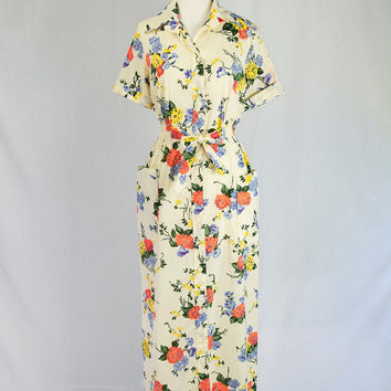 Vintage 1970's Lounge Dress Gorgeous Floral Print Dressing Gown Shirtwaist